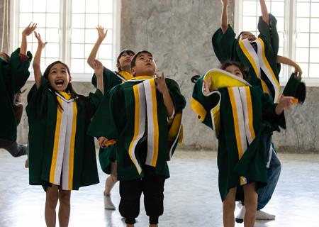 Elementary Virtual Graduations