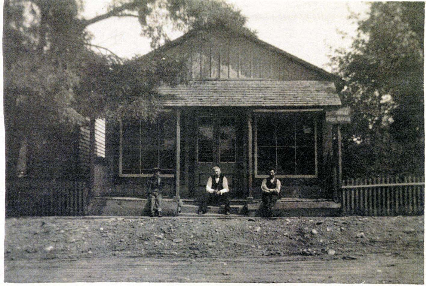 Buttonville General Store001.jpg